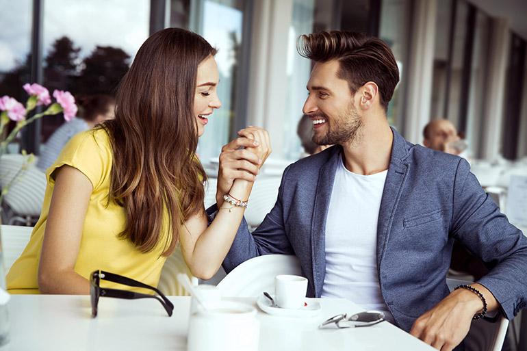Quand et comment engager un contact physique avec une femme